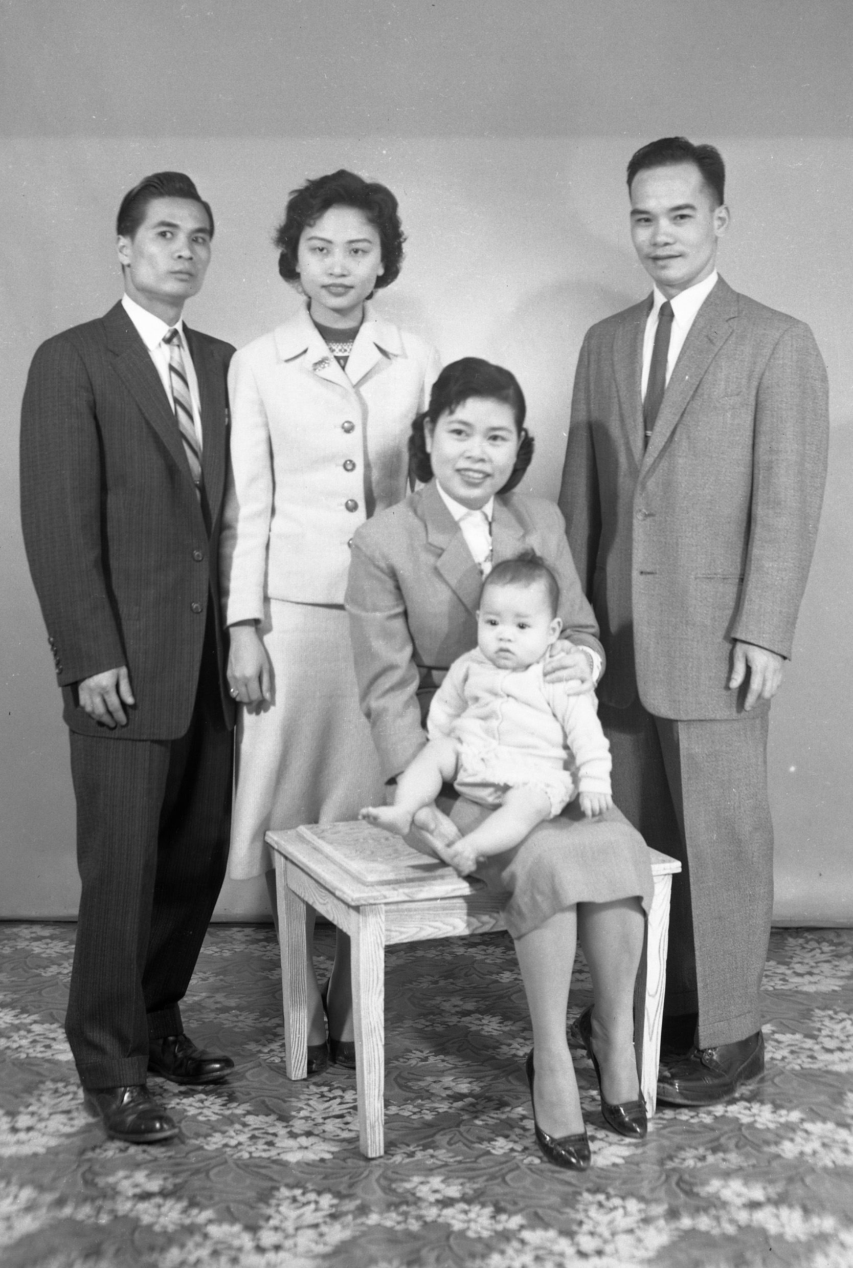 05S_P21,D859_Famille Thomy Poon_(2 avril 1959)_extrait
